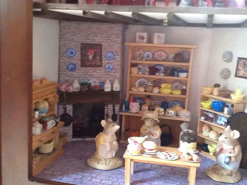 Mouse kitchen