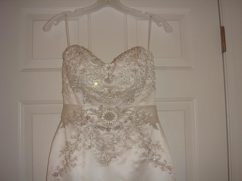 Casablanca 1985 Diamond White Wedding Attire Formal Dresses Bridal Party [ 768 x 1024 Pixel ]
