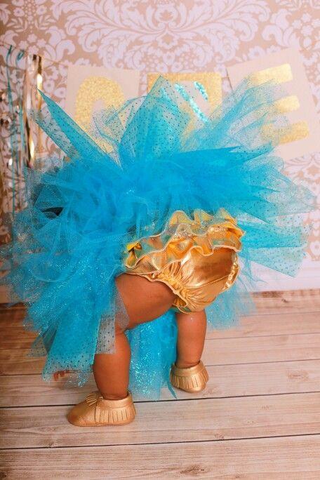 1st Birthday!  #cakesmash #princessJules #goldmoccs #goldbloomers