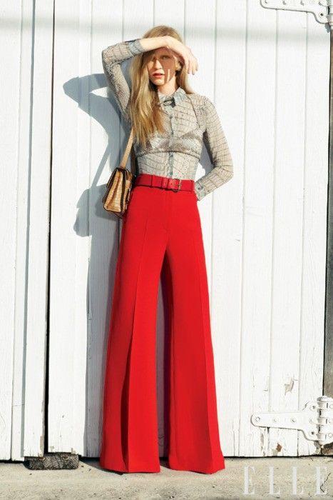 95abb22fd5 Pantaloni a vita alta a palazzo rossi con camicia a maniche lunghe a ...