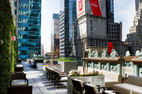 Exclusive First Look At The Only Rooftop Bar In Times Square Rooftop Bars Nyc Best Rooftop Bars Rooftop Bar