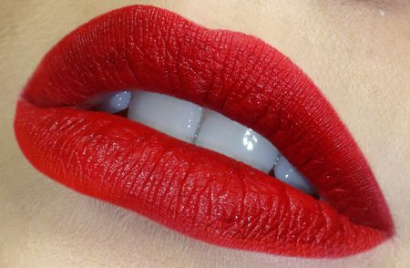 How+to:+The+Perfect+red+lips+make-up+tutorial+https://www.makeupbee.com/look.php?look_id=97421