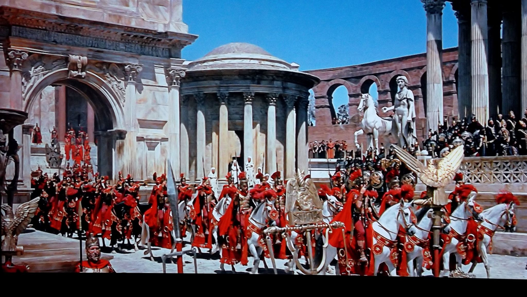 the collapse of the roman empire The fall of rome the roman empire was seriously declining the economy began to stagnate too much money was being used to simply maintain the borders and unity of the empire the cities began to deteriorate.