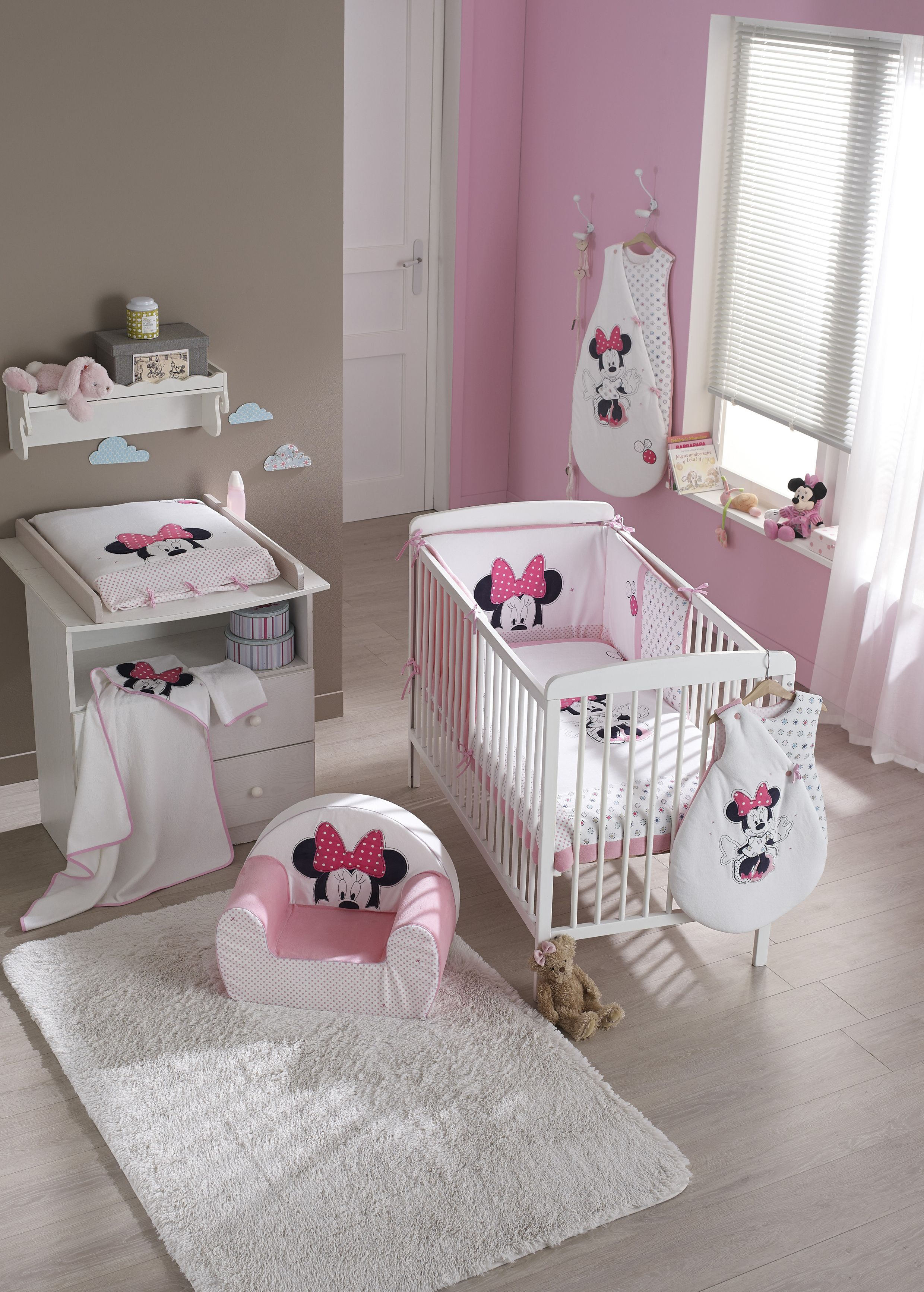 Decoration De Chambre Bebe Fille Ambiance Minnie Rose Patchwork