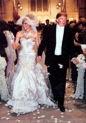 Melaniaknauss Chose A Luxe Johngalliano Gown For Her Dazzling Wedding To Billionaire D Celebrity Wedding Gowns Trump Wedding Dress Melania Trump Wedding