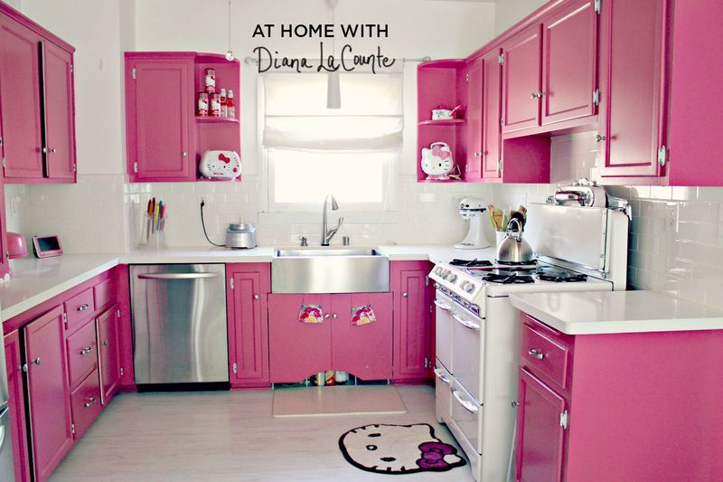 This will be my kitchen someday. Minus the Hello Kitty stuff 01aa1fc0919c9