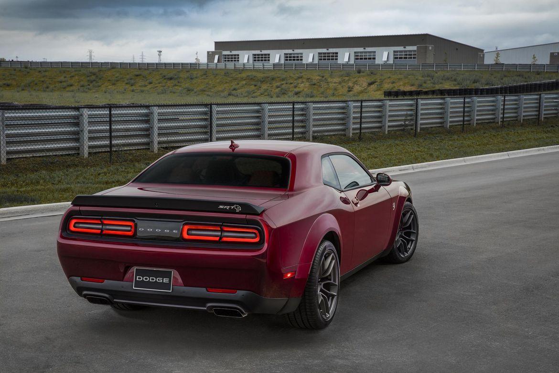 2018 Dodge Challenger SRT Hellcat Widebody Gets Even Wider
