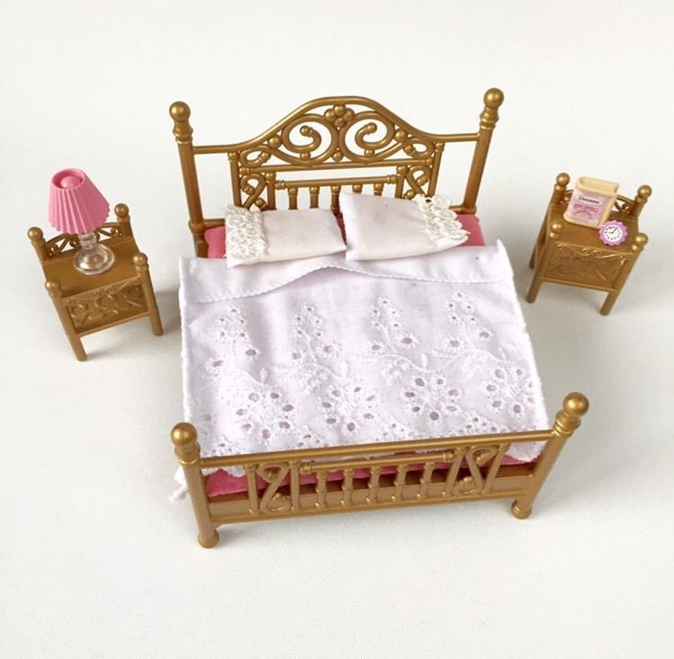 Sylvanian Families Luxury Brass Double Bed Bedroom Furniture Set With Box