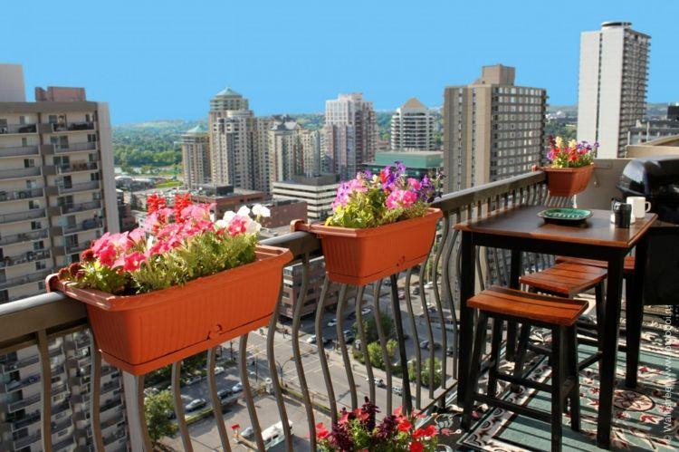 60 inspirierende balkonideen so werden sie einen traumhaften balkon gestalten balkonideen. Black Bedroom Furniture Sets. Home Design Ideas