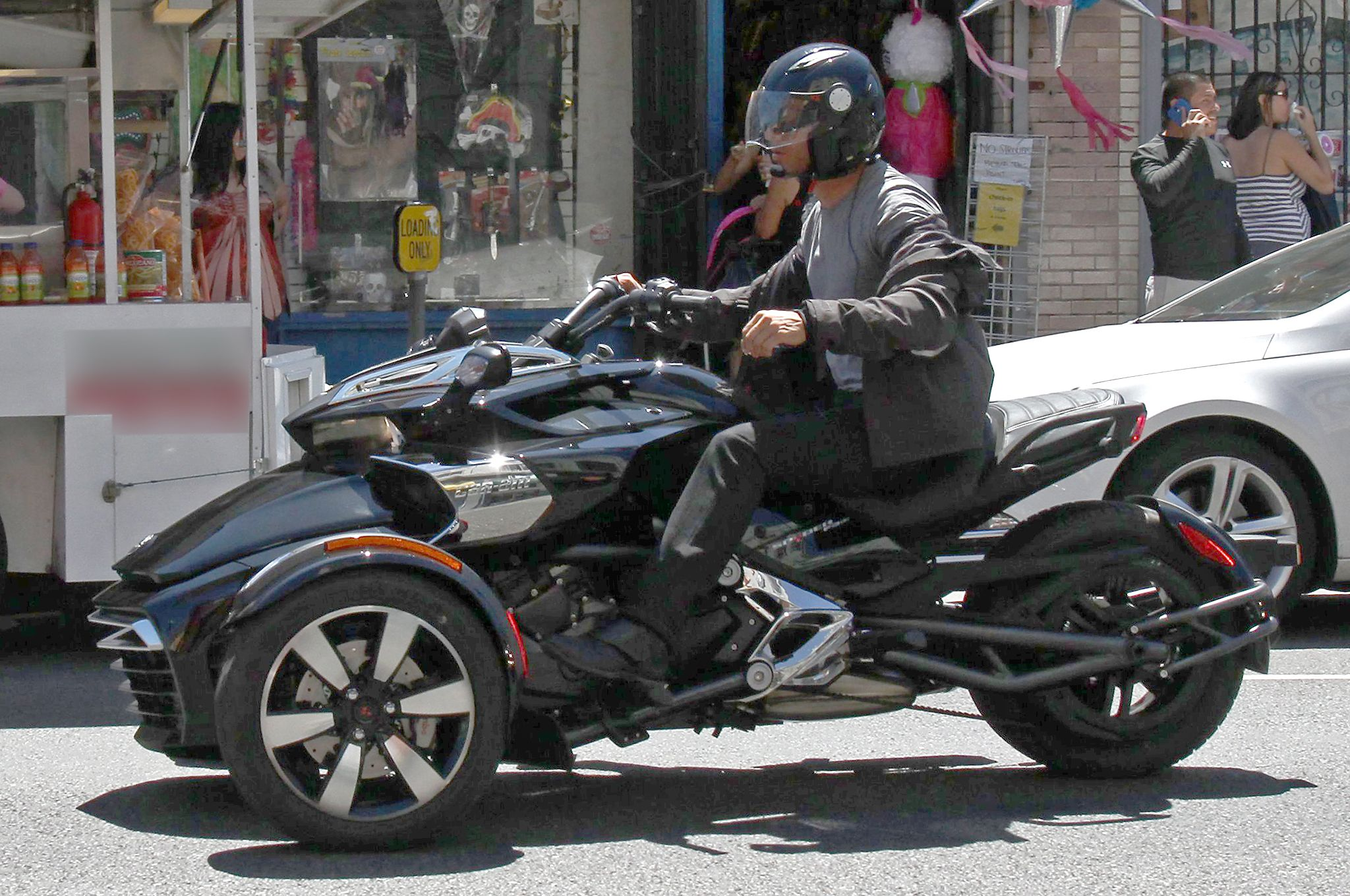 All new can am spyder f3 efi spotted with no camouflage photo gallery