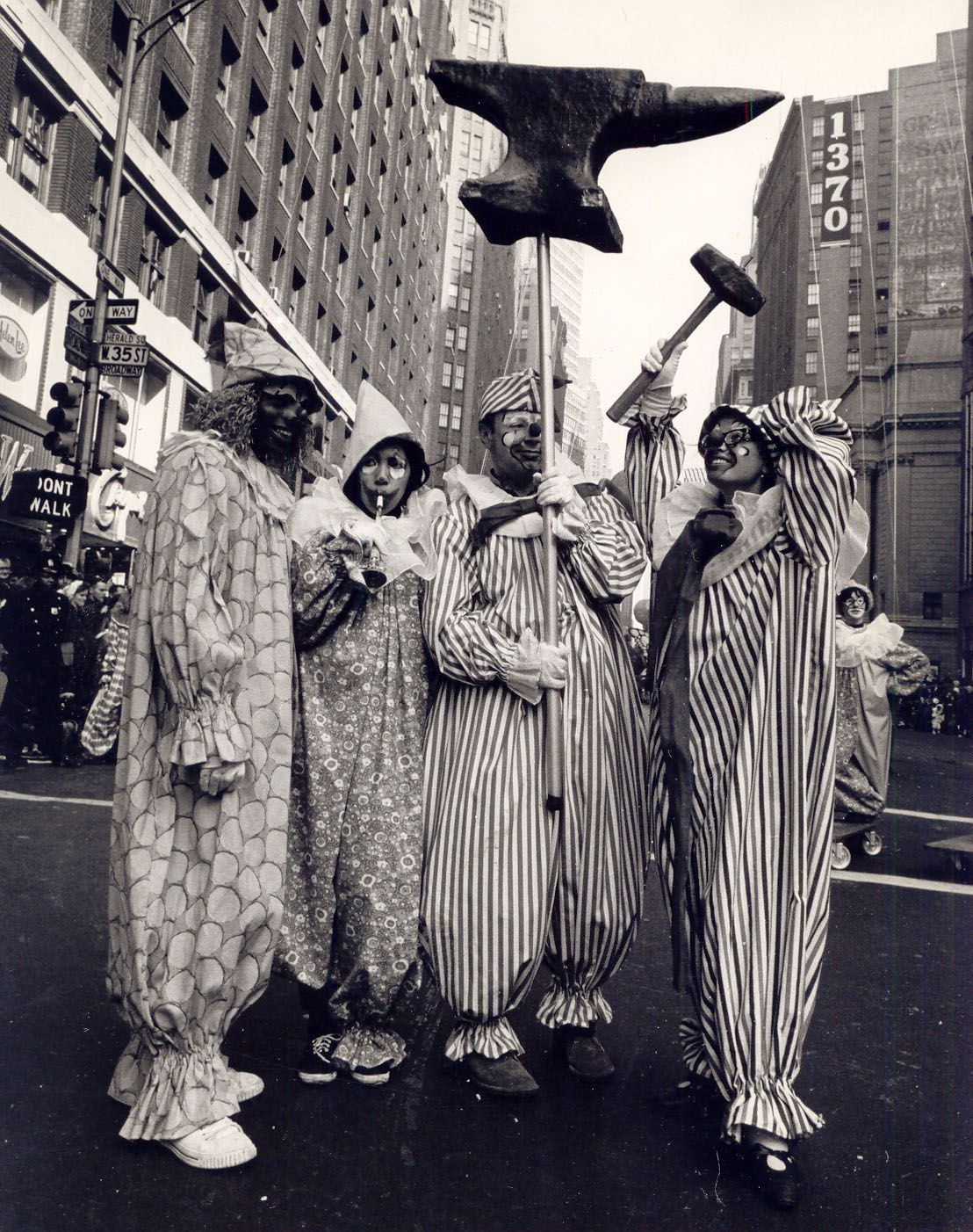 Macys Thanksgiving Day Parade Clowns 1966 Thanksgiving Day Parade Macys Thanksgiving Parade Macy S Day Parade