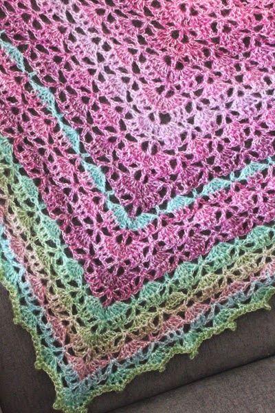 rimligt pris säljs över hela världen stor rabatt kungen & majkis: Virkad Elise-sjal.   Virka, Virka poncho, Virkmönster