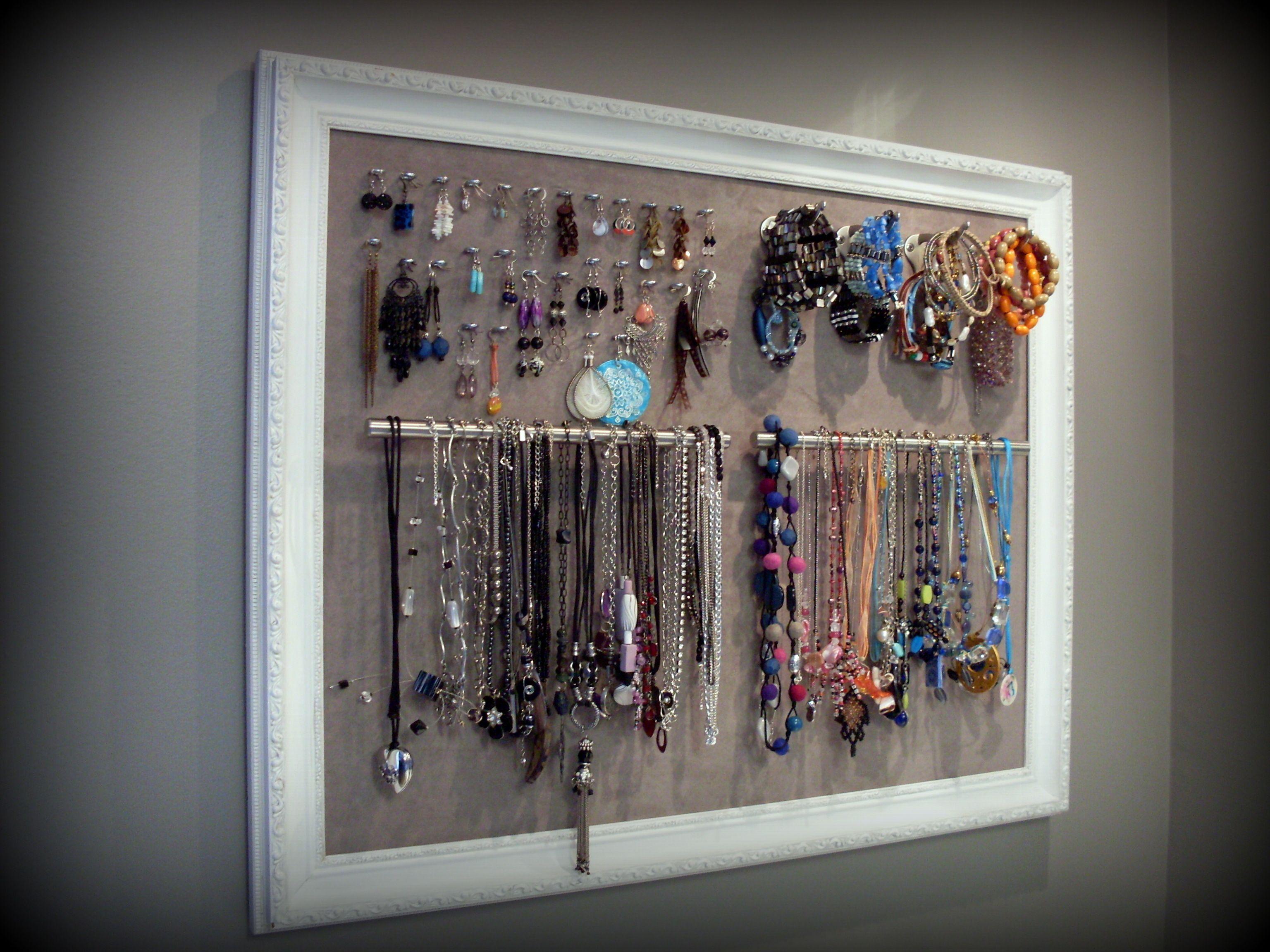 cadre porte bijoux illets pour les boucles d 39 oreilles crochets pour les bracelets et poign es. Black Bedroom Furniture Sets. Home Design Ideas