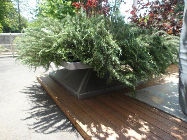 Big flowerpot realized in iron grande fioriera da terrazzo giardino realizzata in aisi