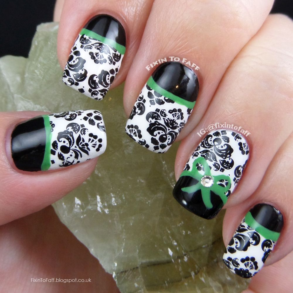 Signature Style Nail Art Black And White Damask With Black Half