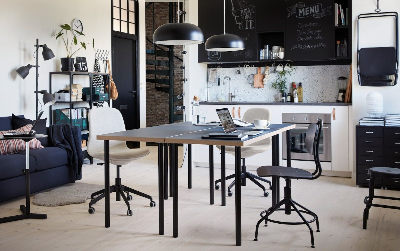 First the project, then the pizzas. Craft tables with