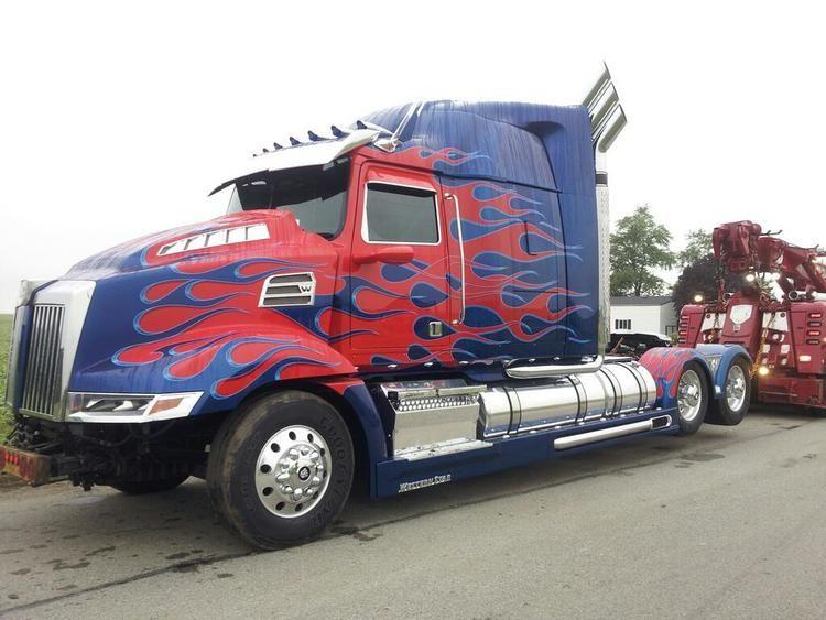 Transformers 4 Set Videos And Photos Optimus Prime Dodges