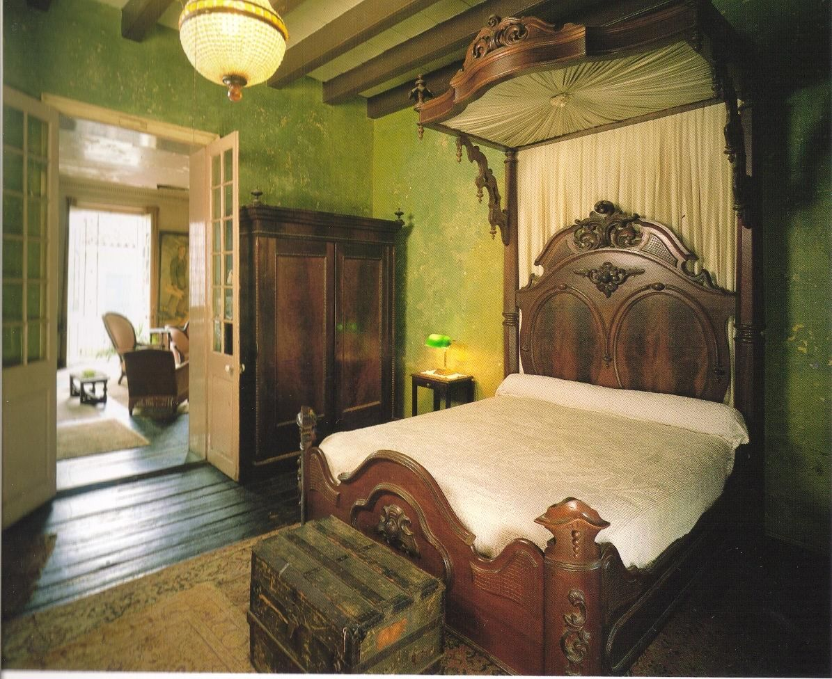 new orleans french quarter interior toulouse street. Black Bedroom Furniture Sets. Home Design Ideas