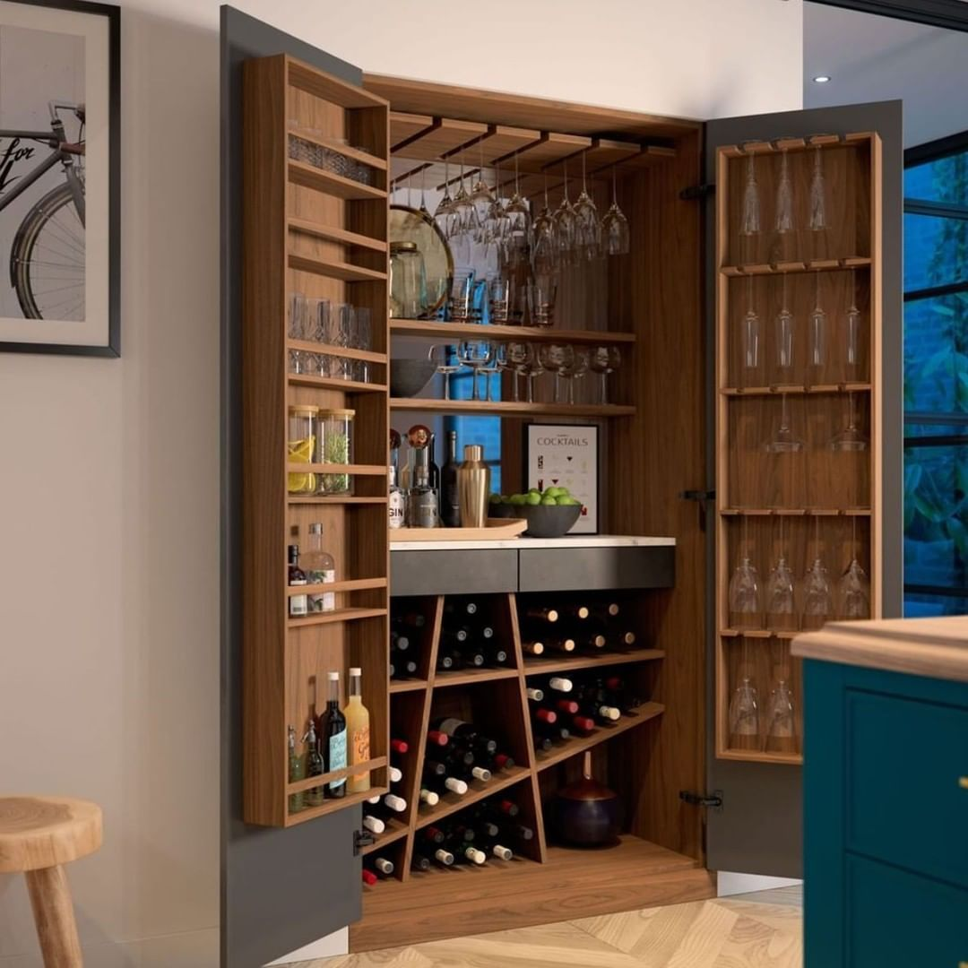 Could you survive Dry Jan with a drinks cabinet as exquisite as this?🍷🚫 #StaggeringKitchens #DryJan #DrinksCabinet