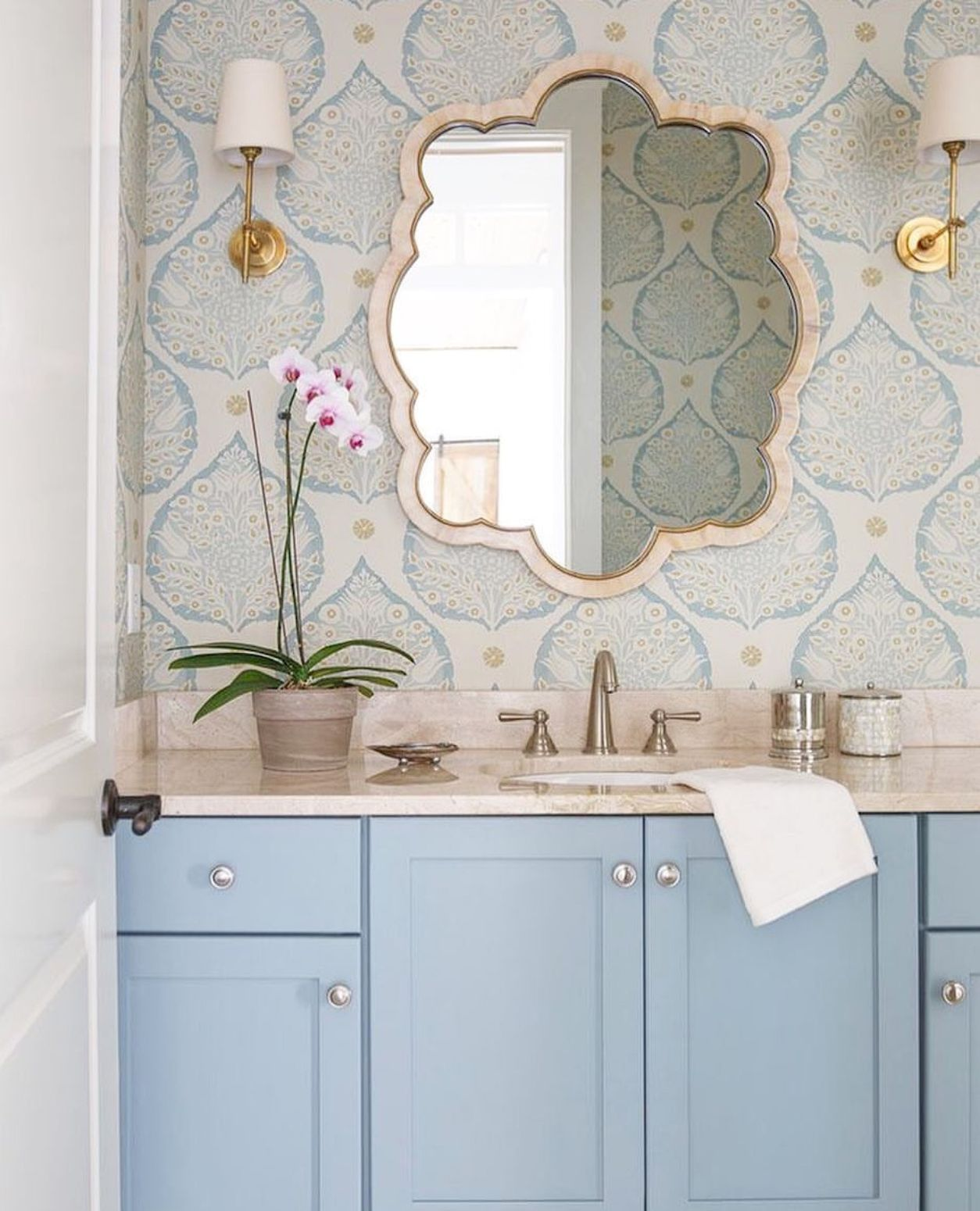 Incredible 70+ Best Small Bathroom Wallpaper Ideas on a Budget http ...
