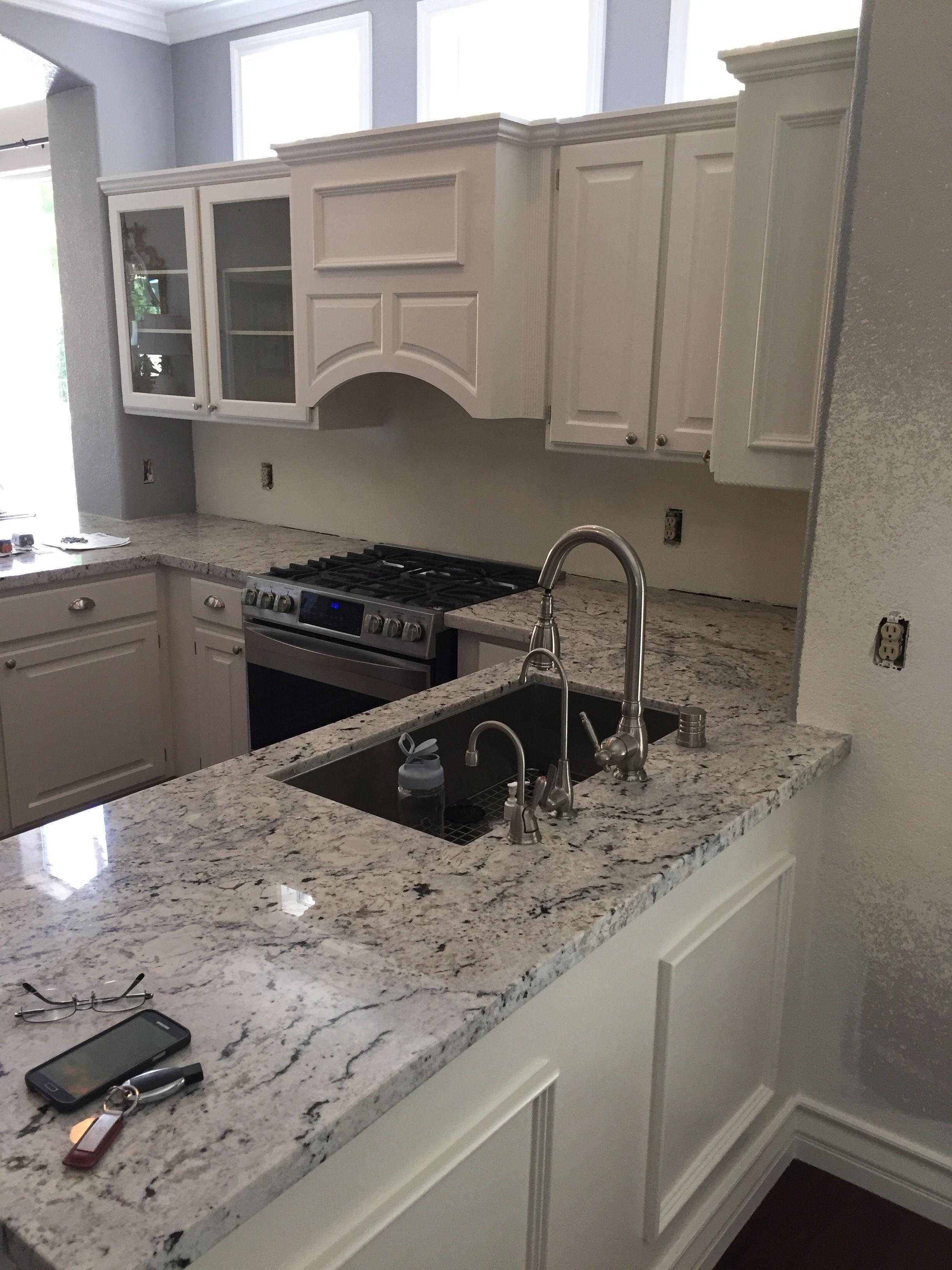 Granite Countertops In Elk Grove Village Il 2020 In 2020 Kitchen Design Countertops Granite Countertops Kitchen