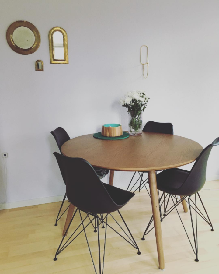 Unser Logan Smoked Oak Laft Zum Essen Ein Mariaggggg Logan Table Interior Design Esstisch Stuhle Esstisch Zuhause