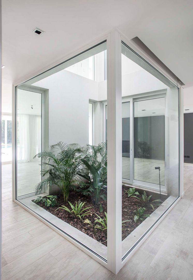 23 Jardines interiores minimalistas
