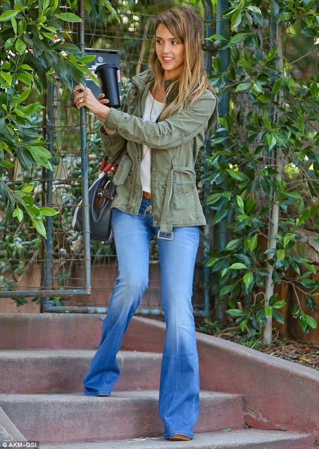 f457494ea48d2 Fan of the flare! Jessica Alba is stylish and slim in a pair of  Seventies-style bell bottom jeans as she stocks up on fresh produce | My  Style | Fashion, ...