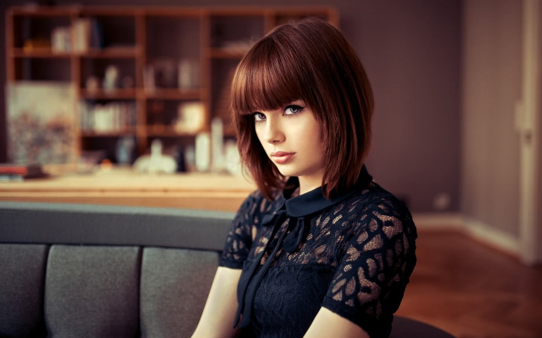 Картинка девушка короткие волосы