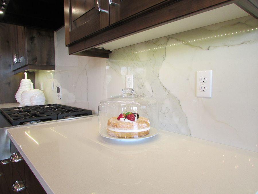 Calacatta Thinslab Porcelain Oregon Tile Amp Marble Backsplash Designs Metallic Backsplash