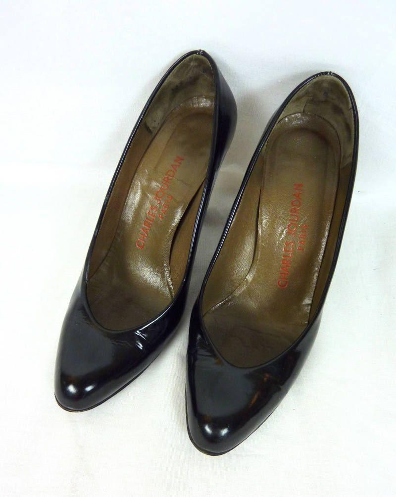 7b62eaade12d Escarpins vernis noirs Charles Jourdan 1970 Taille 35 (FR) Size 3.5 (US)