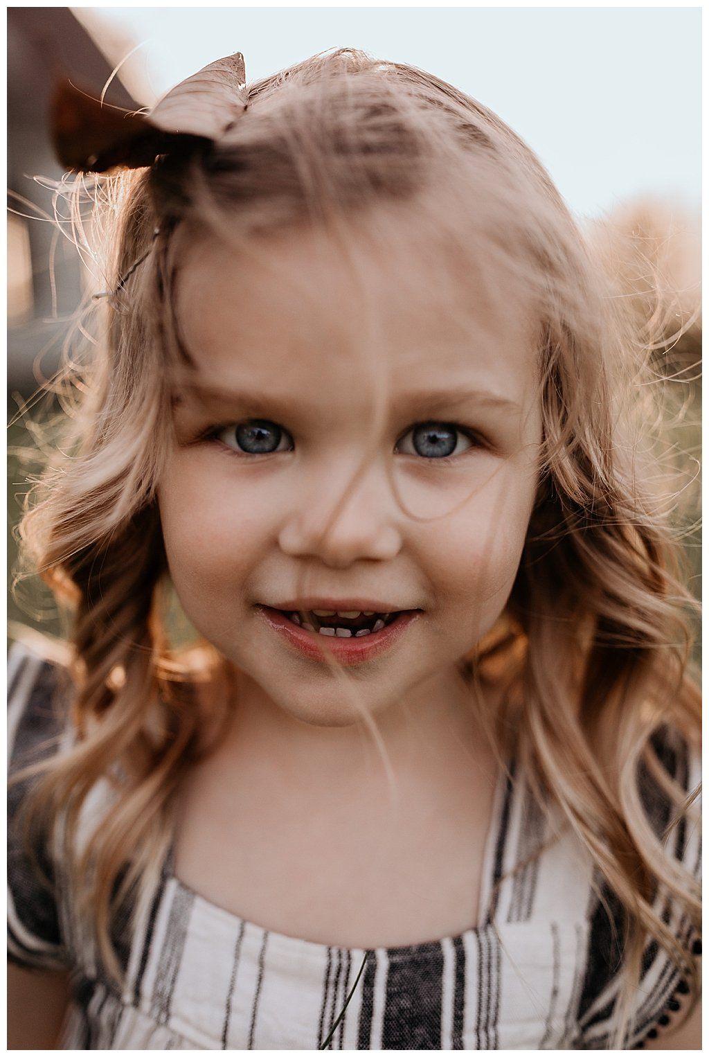 An adorable birthday photoshoot with mylar balloons