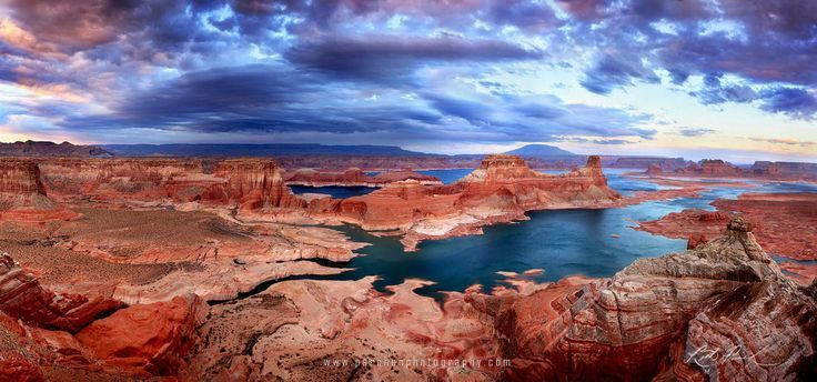 The contrasting colors of Lake Powell, Utah. – Photo by Rick Parchen – #colors #…