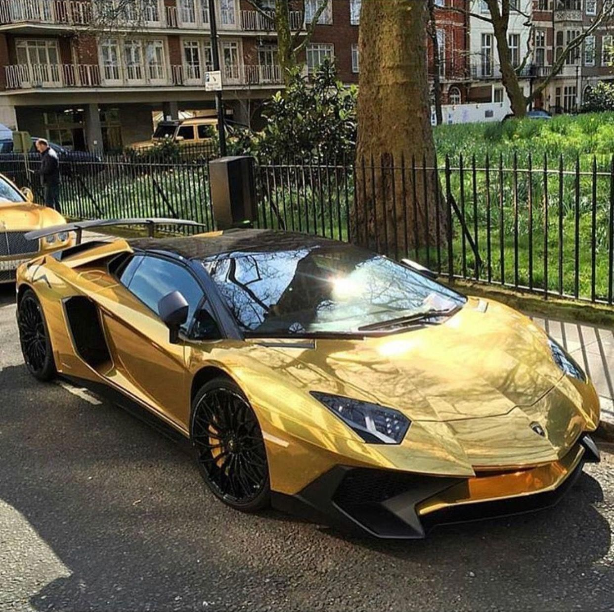 Lamborghini Aventador Super Veloce Roadster Painted In Giallo Orion And Wrapped In Chrome Gold Photo Lamborghini Aventador Sports Cars Luxury Lamborghini Cars