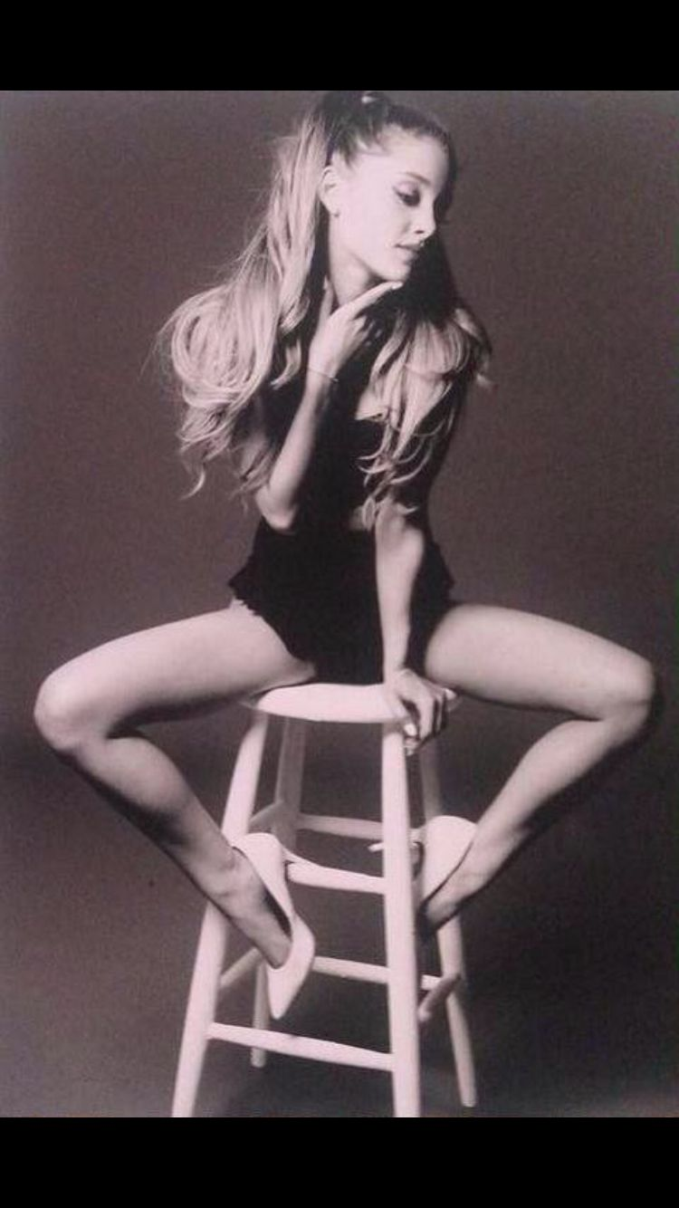 Ag Outtakes From The My Everything Photo Shoot Bilder