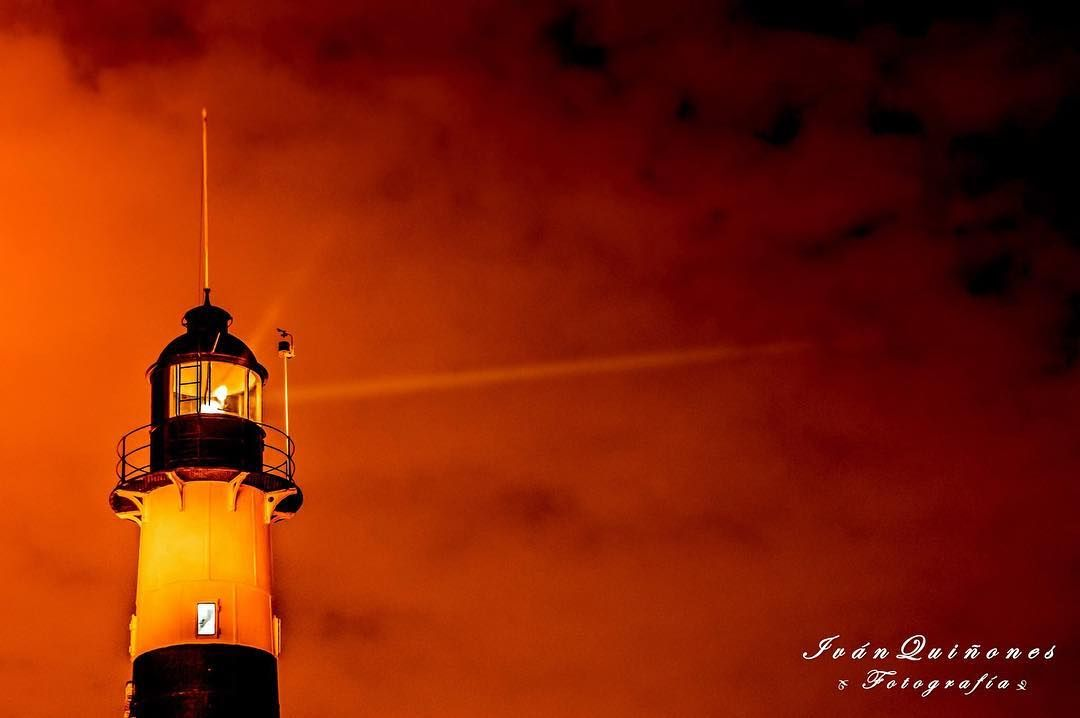 El Faro #Miraflores #Malecon #Night #CostaVerde #Faro #Lighthouse #Beach #View #Nikon #Nikontop #NikonOfficials #BleachMyFilm #Expofilm #VisualAuthority #ig_mood #OurPlanetDaily #ExperiencePeru #CTPeru #Lima #Peru by ivanictus