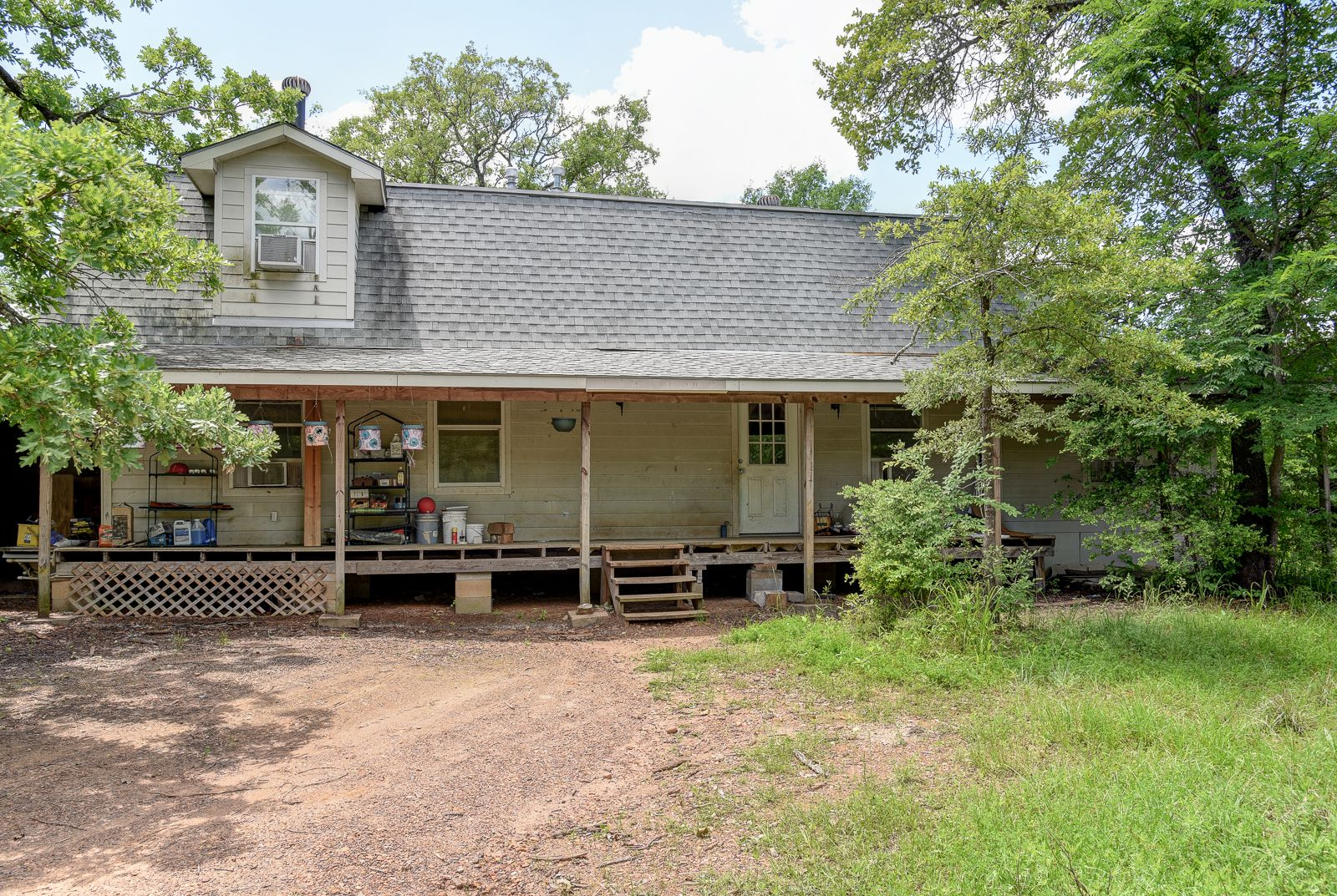 8949 Taylor Rd Bryan Tx 77808 20 Acres With Farmhouse 3 Bedrooms 2 Baths Mls Bryan Area Homes Real Real Estate Houses Farmhouse Remodel Real Estate