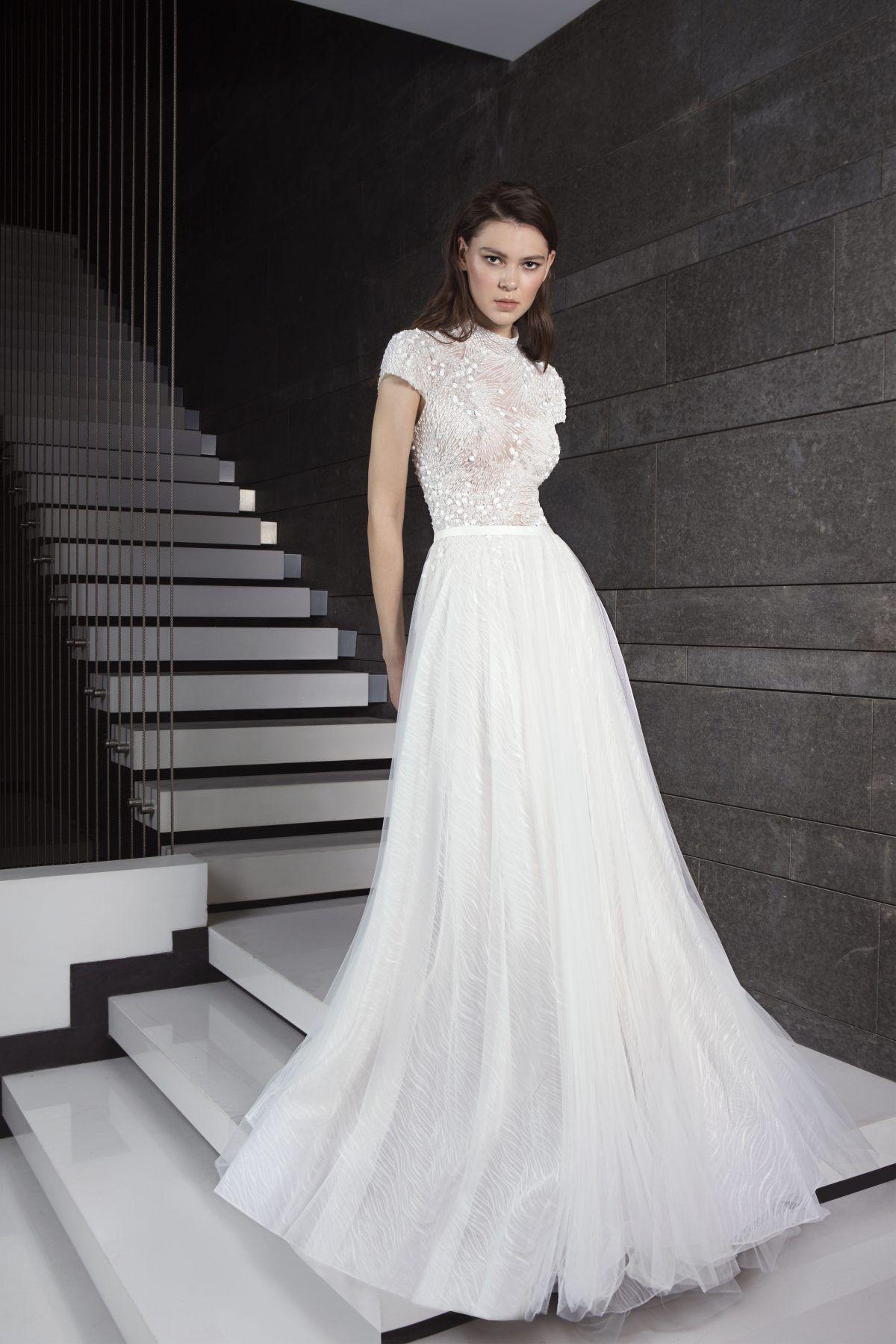 Beaded Short Sleeve Bodice With A Line Tulle Skirt Wedding Dress Tony Ward Tulle Skirt Wedding Dress Short Sleeve Wedding Dress Tony Ward Wedding Dresses [ 1800 x 1200 Pixel ]
