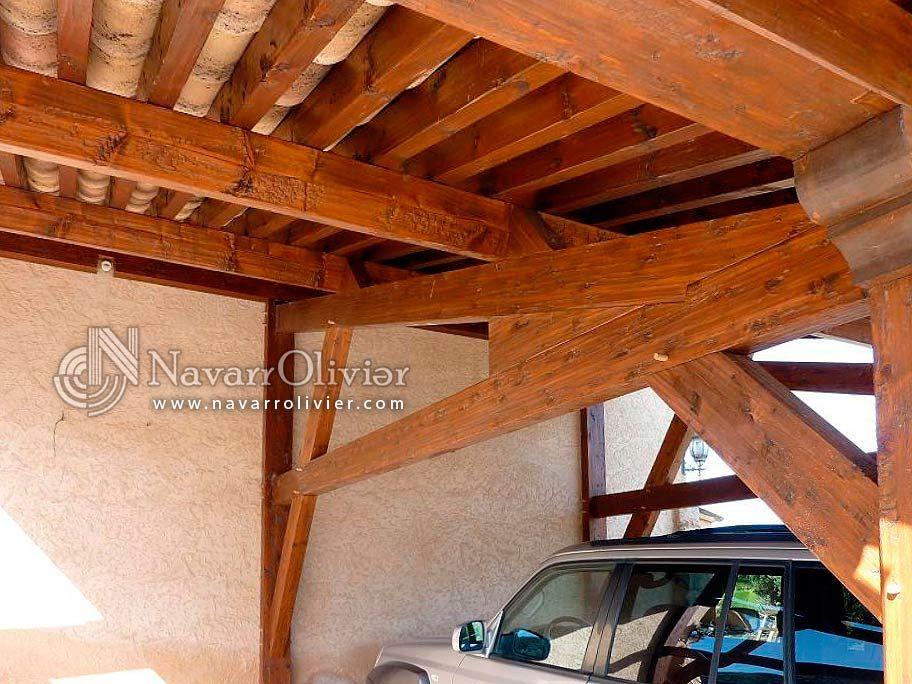 P rgola para garage estilo r stico con cubierta de teja - Cubierta para pergola ...