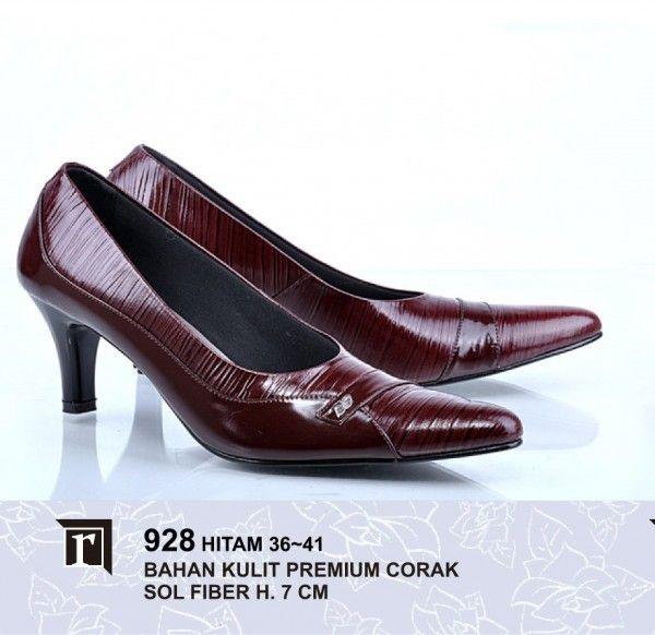 Jual Sepatu Pantofel Wanita Murah Online warna merah maroon hak 7 cm ... a3b1735a6f
