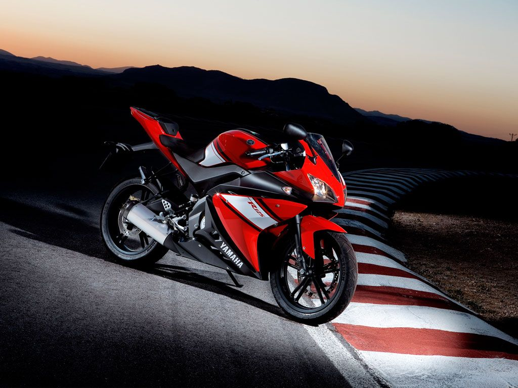 Yamaha yzf r125 usata moto usate 2016 car release date - Yamaha Motorcycle Launch In Late 2013