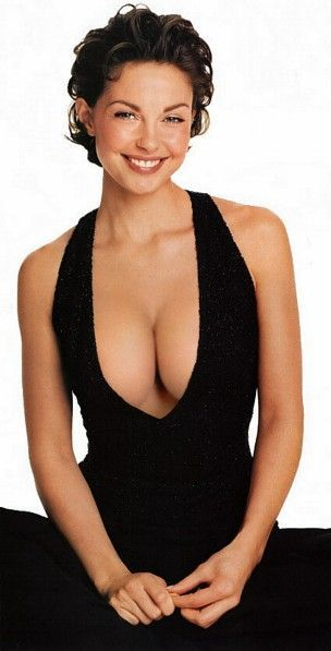 Ashley Judd in black sexy dress a2556333e8