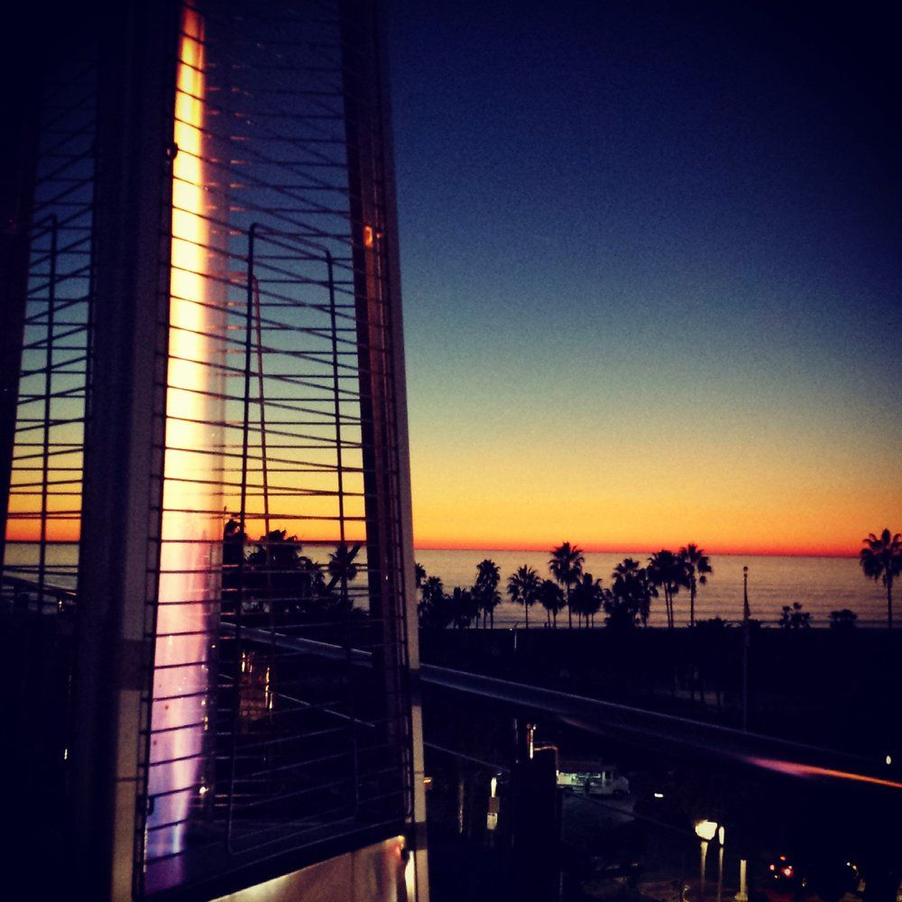 Warm Cozy Atmosphere Beautiful View Delicious Happy Hour Prefect Night Rooftop Lounge Beautiful Views Rooftop