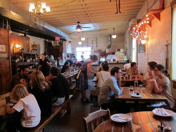 Brooklyn Restaurants Best Patrons Sit Inside And Eat At Roberta S Pizza Restaurant In