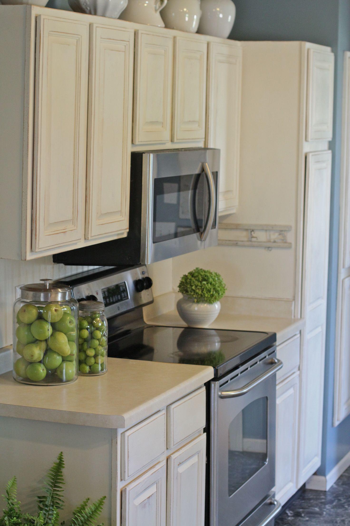 Annie Sloan Old White kitchen cabinet makeover ...