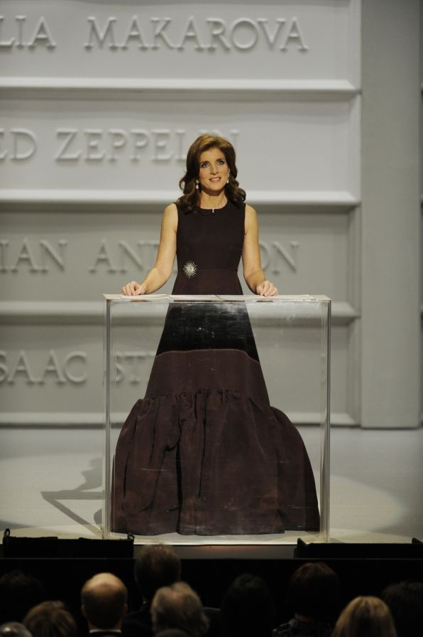 Caroline Kennedy Rockin Her Mama S Gorgeous Diamond Sunburst Pin At The Center Honors Looking Cly Mom Would Be Proud