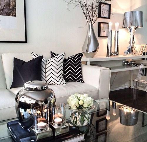 Sala em preto e branco Small spaces, House and Contemporary