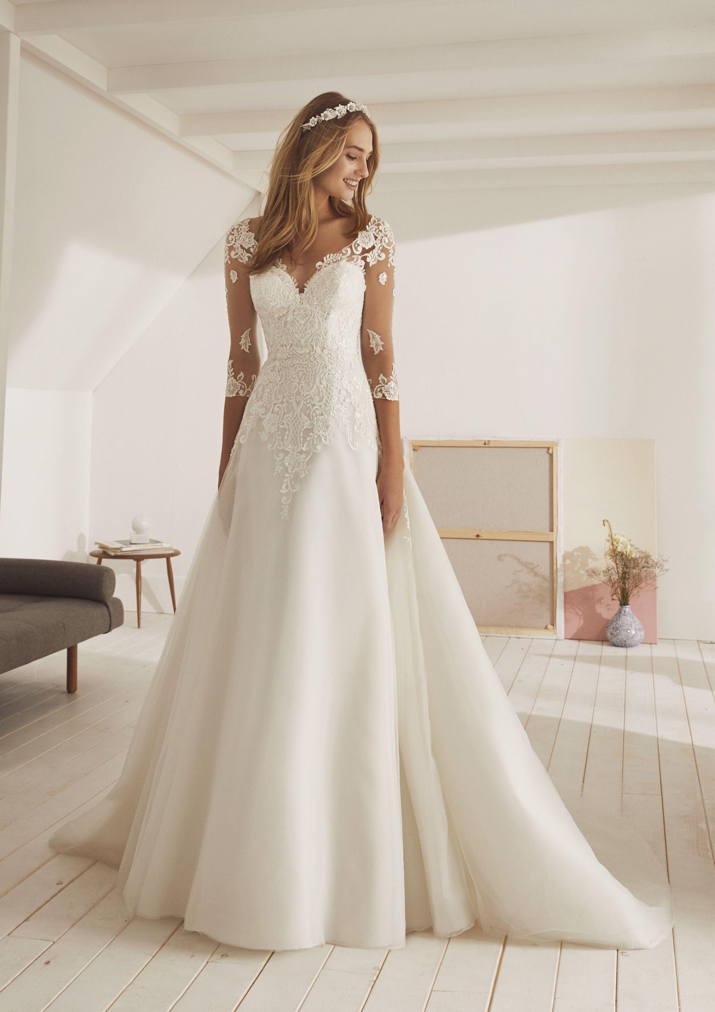 White One Collection 'Obelisco'   Summer wedding attire, Wedding ...