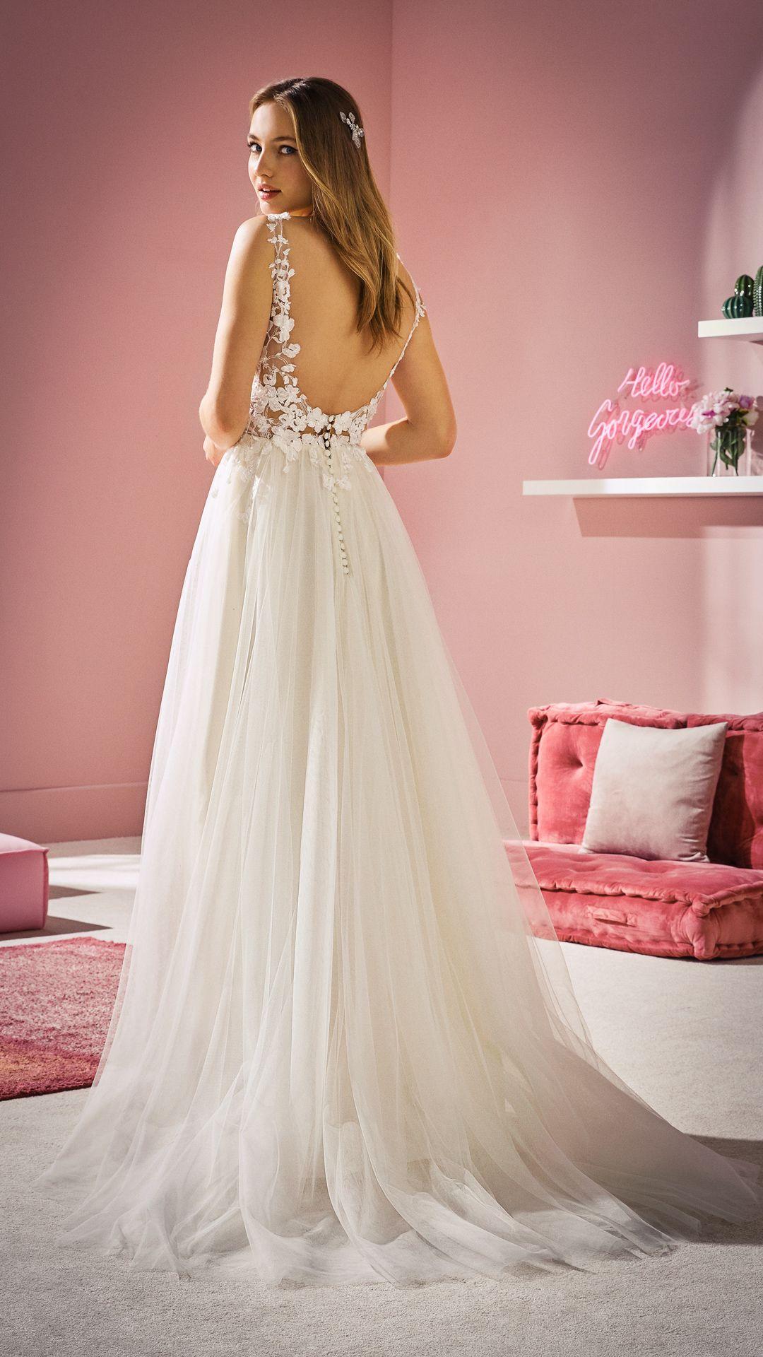 Neue Brautkleider für 20 :: White One  Brautmode, Brautkleid