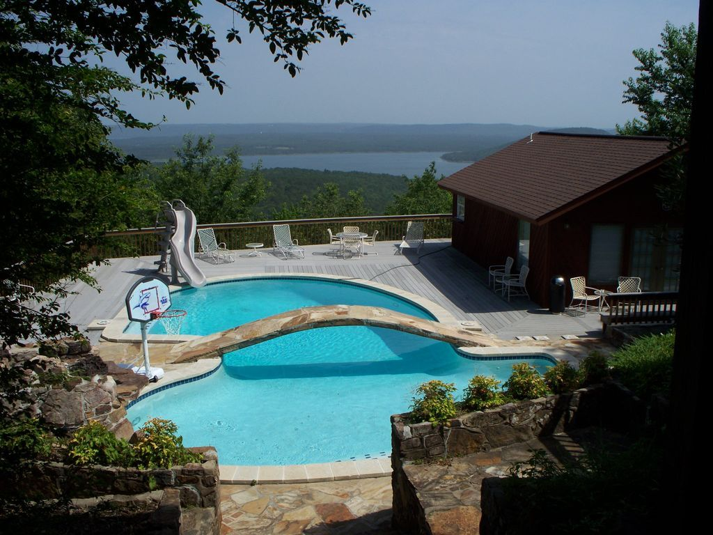 House Vacation Rental In Fairfield Bay Ar Usa From Vrbo Com Vacation Rental Travel Vrbo Beach Living Vacation Rental Pool Houses